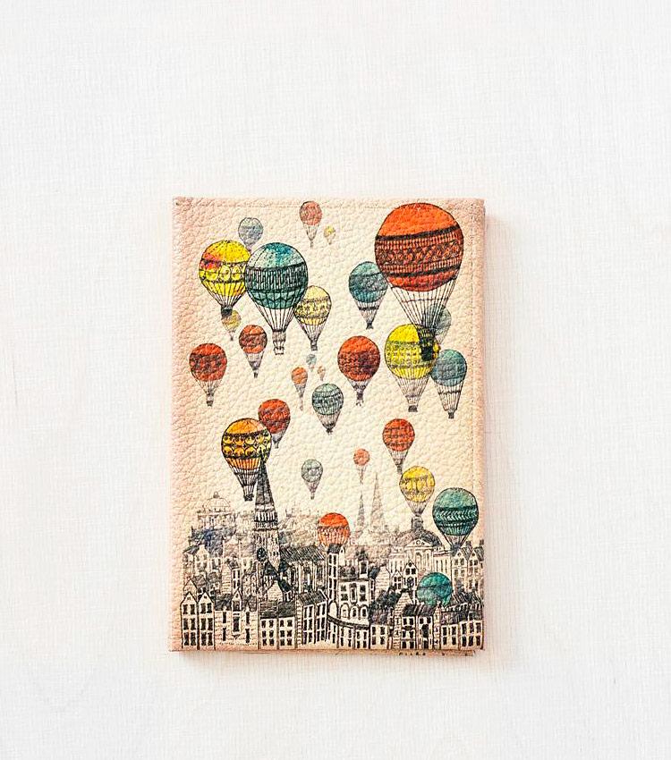 Обложка для паспорта Vokladki «Над городом»