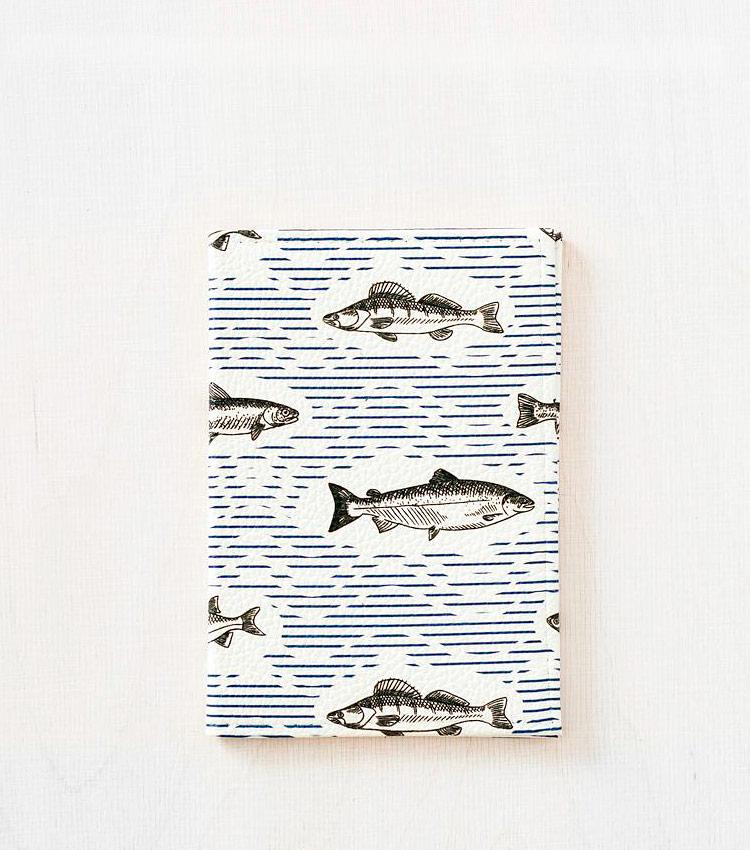 Обложка для паспорта Vokladki «Рыбки»