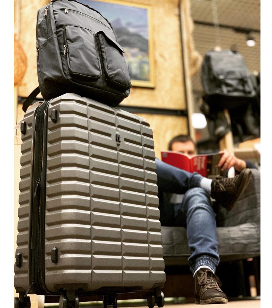 Малый чемодан IT Luggage Uphold 16-2432-08 (55 см) - Middle blue ~ручная кладь~