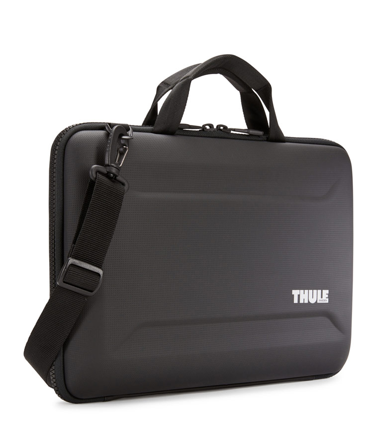 Жесткая сумка Thule Gauntlet 4 для MacBook 15 (TGAE2356BLK)