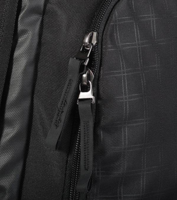 Рюкзак Victorinox Deluxe 17 black