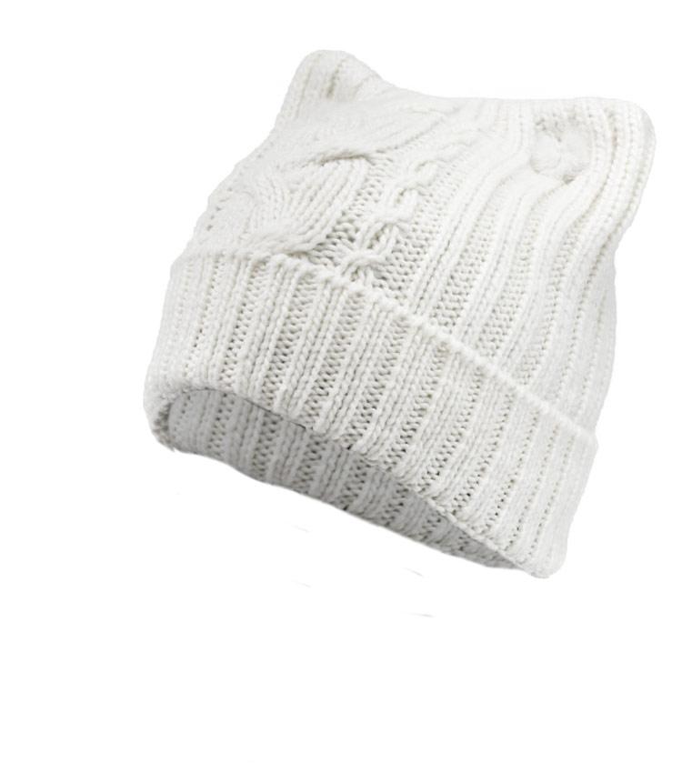 Женская шапка с ушками WAG PB82 white