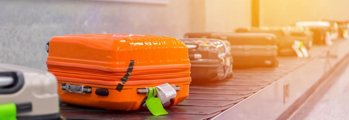 Самые легкие чемоданы на колесах купить дешево распродажа